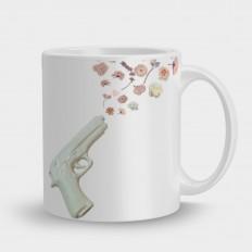 Кружка Белый пистолет цветы